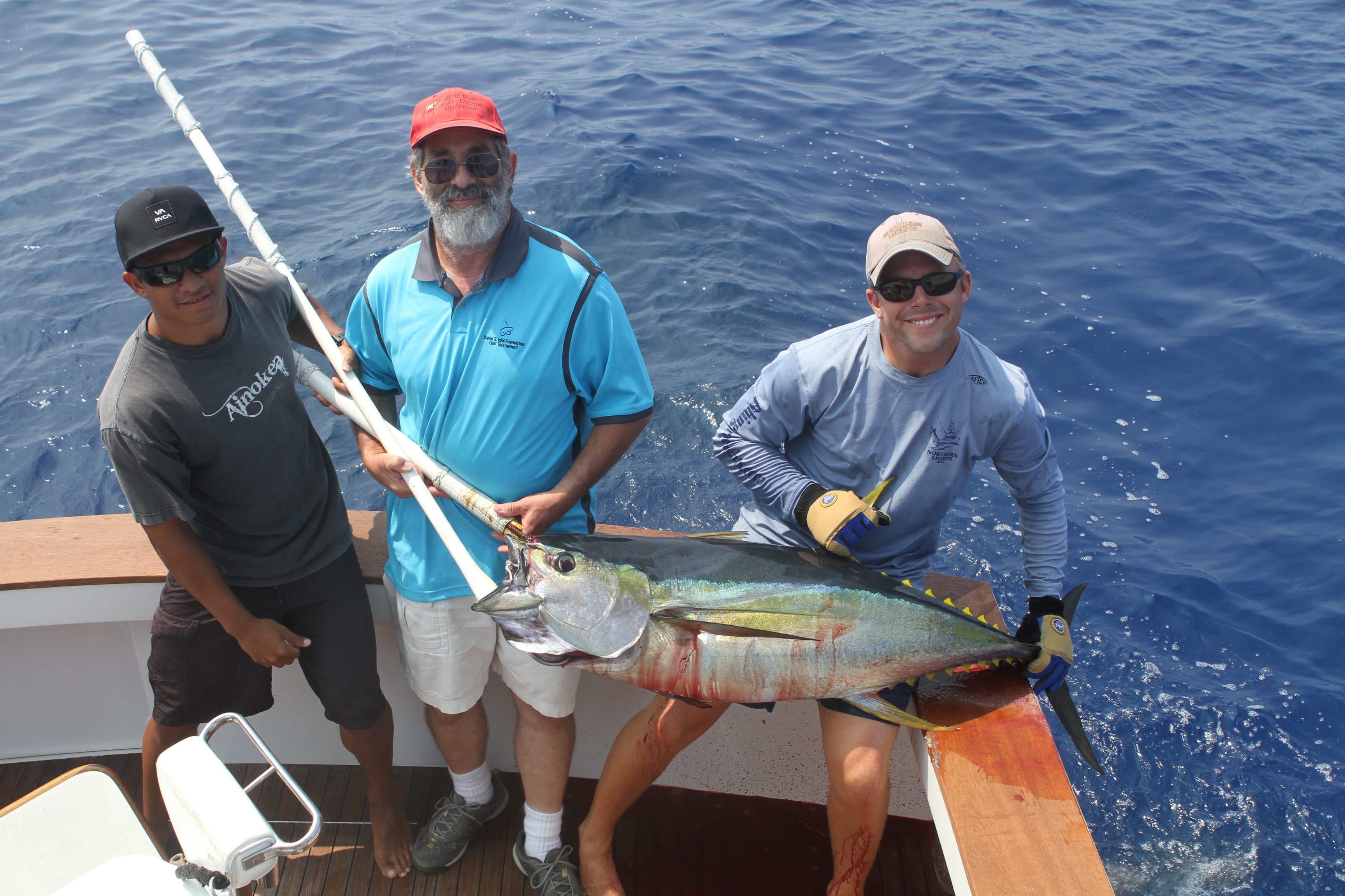 Randy catches ahi fishing report for Randys fishing trips